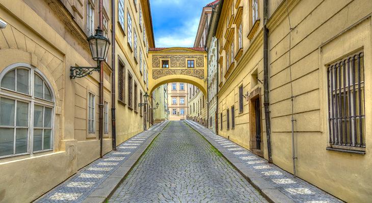 Thunovska_street